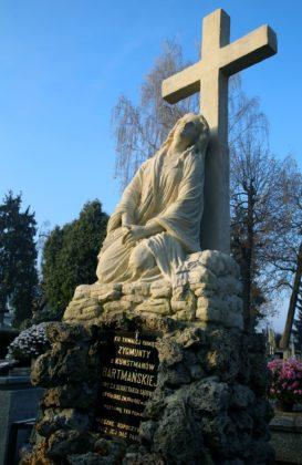 Pomnik nagrobny rodziny Bartmańskich po renowacji