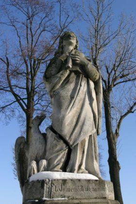 Figura św. Jana Ewangelisty przed odrestaurowaniem