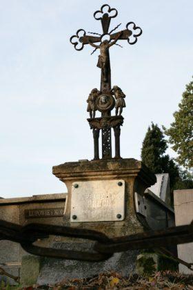 Pomnik nagrobny Romualda Palcha po odrestaurowaniu
