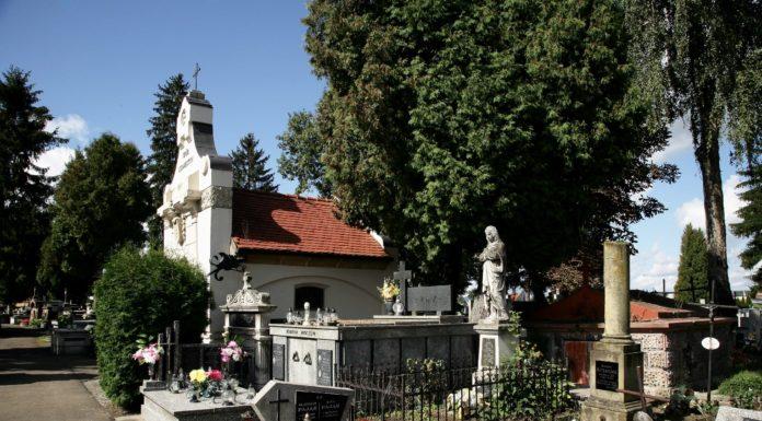 Rzeźba na grobie Marii Sołtys